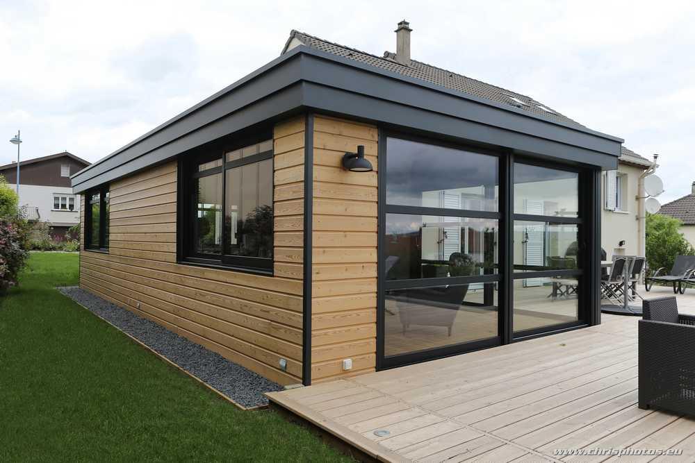 La Véranda Architecturale, une véranda sur mesure alliant bois et aluminium